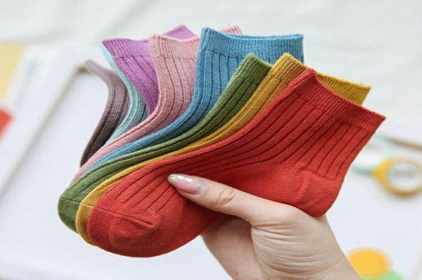 انتخاب جوراب بچگانه